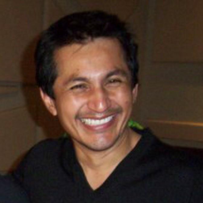 headshot of Tony Vela